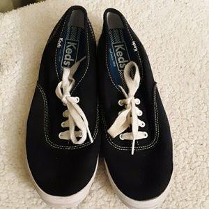 Keds Black Canvas Sneakers Sz 7
